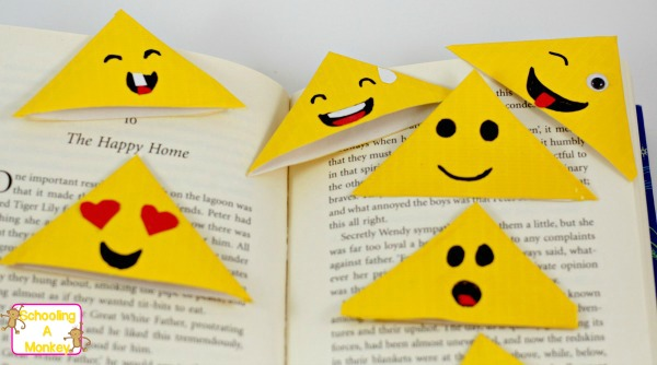 CUTE DIY EMOJI BOOKMARKS