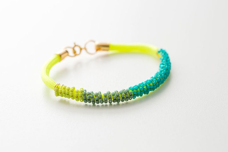 Free 33 DIY Beaded Bracelet Patterns