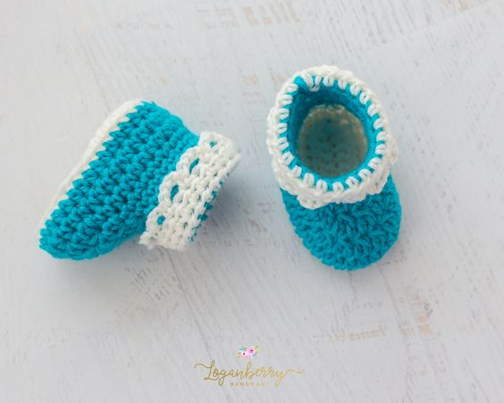Crochet Baby Booties With Lace