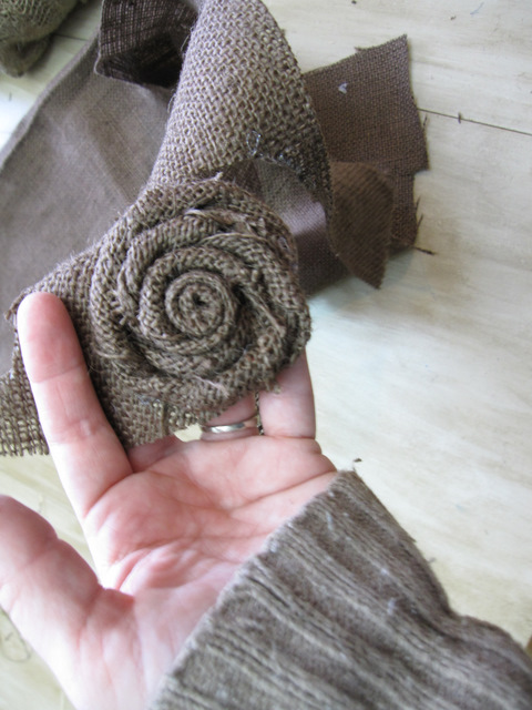 Easy Burlap Flowers