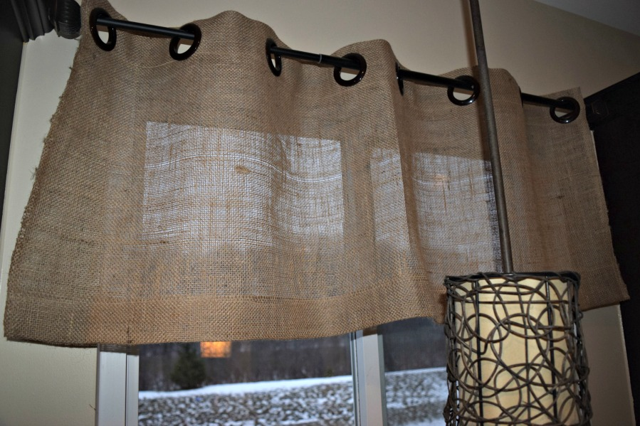 Easy Burlap Grommet Curtains Ideaas