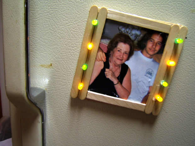 LED Popsicle Stick Picture Frame Tutorial