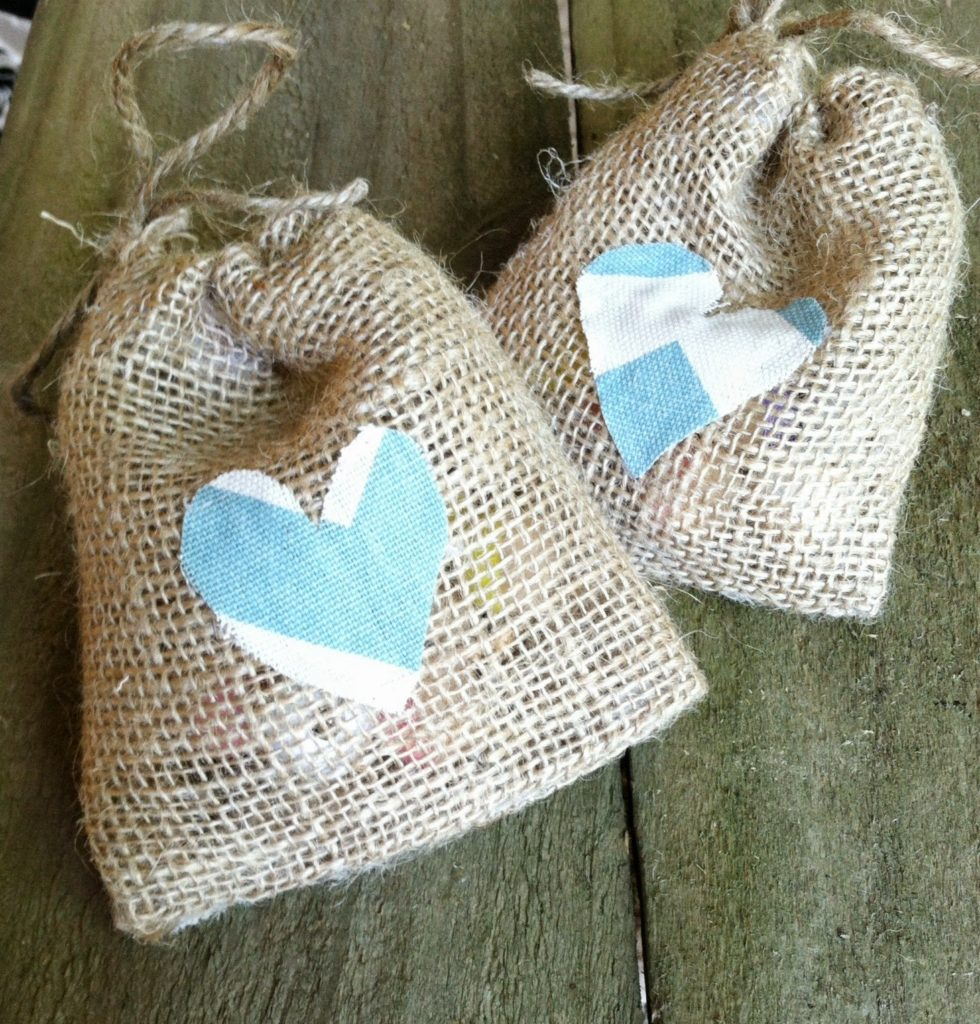 No Sew Burlap Favor Bags DIY