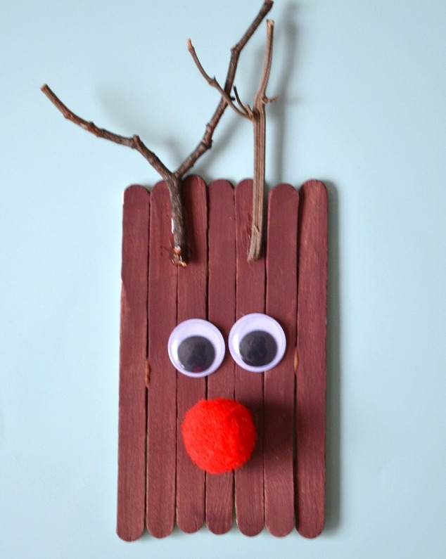 Reindeer Popsicle Stick Frame Ornament DIY