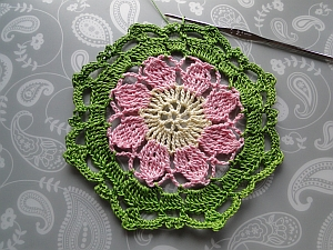 Vintage Crochet Flower Pattern Tutorial