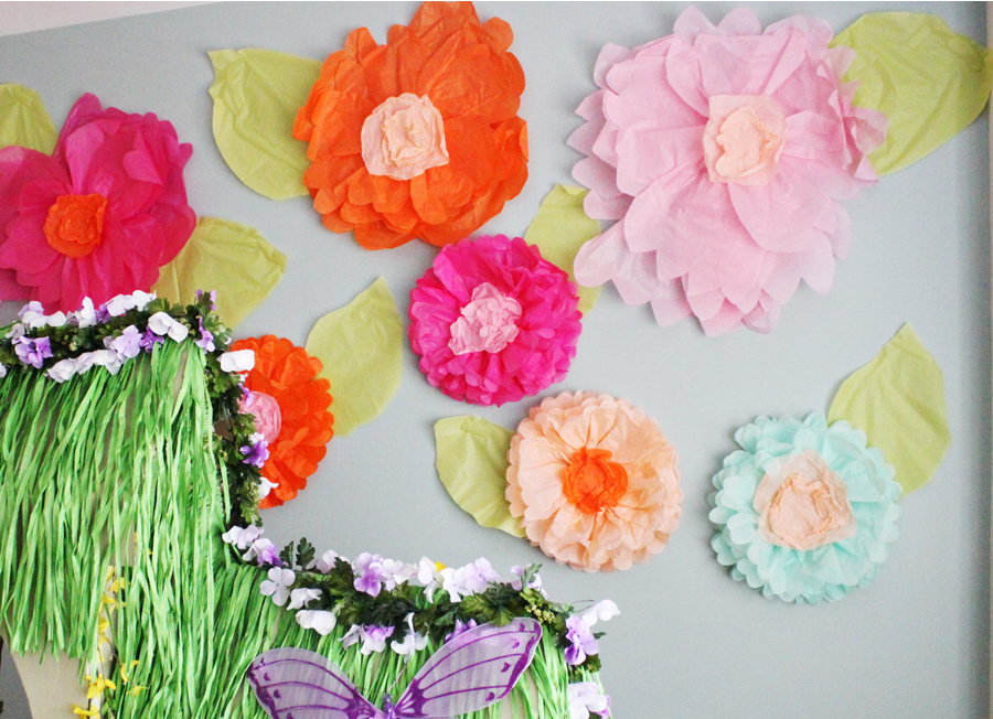15 diy tutorials make creative giant tissue paper flowers diy giant tissue paper flowers mightylinksfo