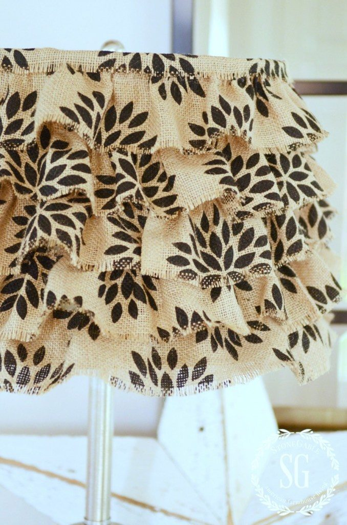 DIY NO SEW BURLAP RUFFLED LAMPSHADE