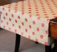 DIY Simple Burlap Table Runners IdeasDIY Simple Burlap Table Runners Ideas