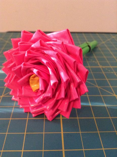 Easy Duct Tape Flower Pens