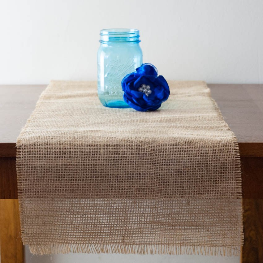 How To Make Burlap Table Runners 19 Diy Tutorials