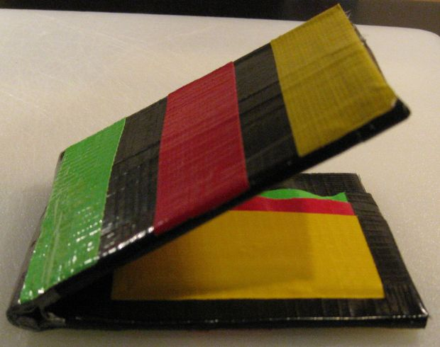 How to Make bi-fold Wallet out of Duct TapeHow to Make bi-fold Wallet out of Duct Tape