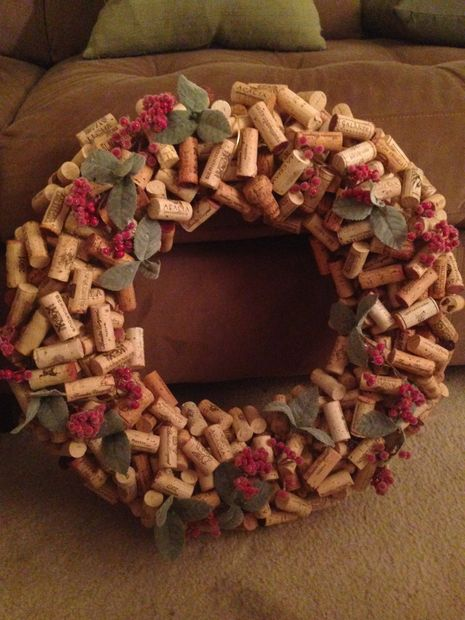 How to make a Cork Wreath with Wire