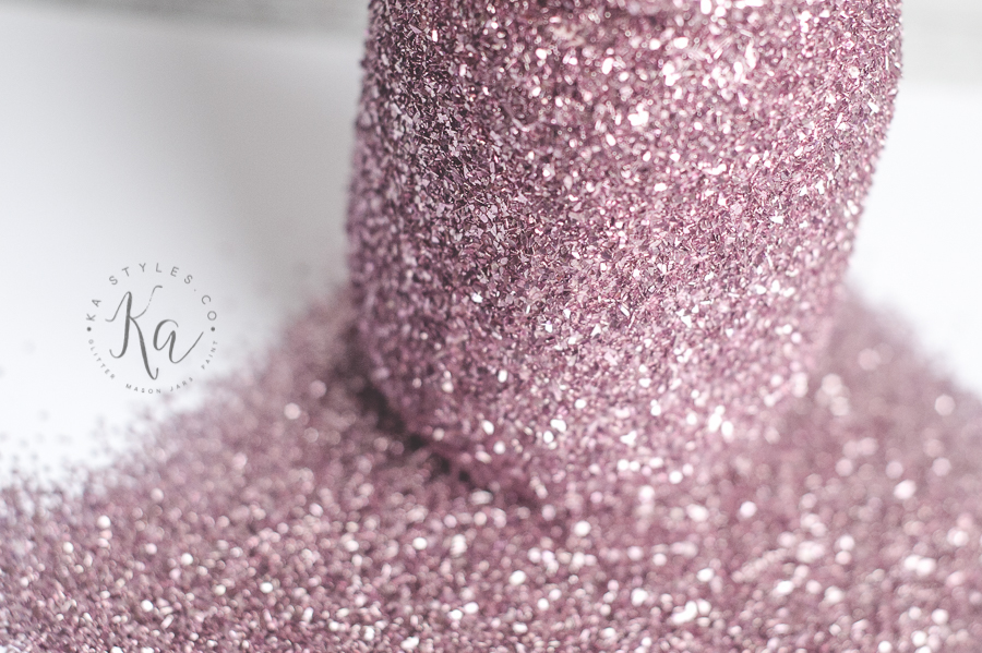 DIY Mason Jars Painted with Glitter