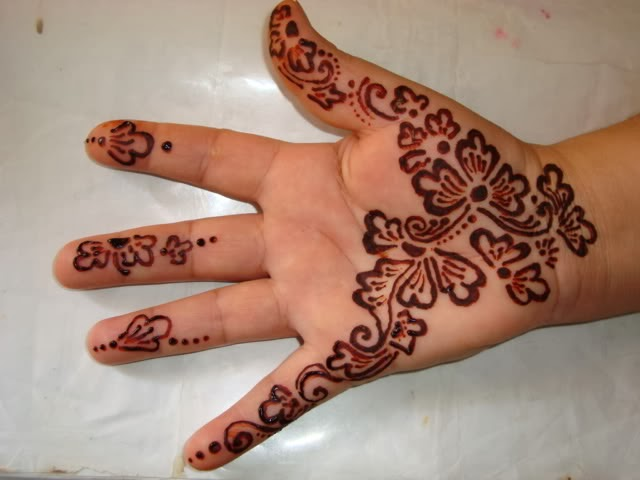 Mehndi Designs Children's Hand