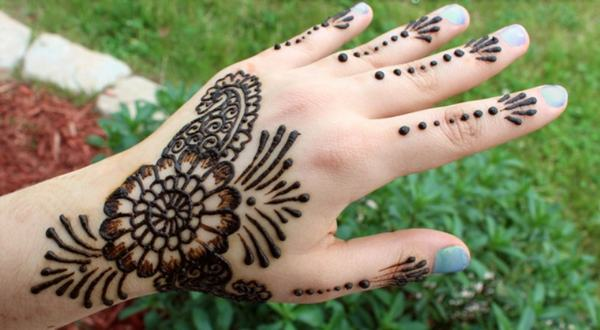 Mehndi Designs for Kids Images