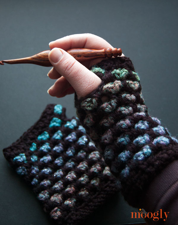 Quick and Easy Crochet Fingerless Gloves Pattern