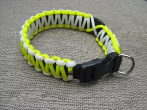 Glow In The Dark Paracord Dog Collar