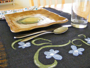 DIY Black Burlap Placemats