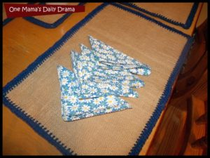 Make Burlap and Crochet Placemats