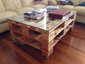 Make Pallet Coffee Table with Storage