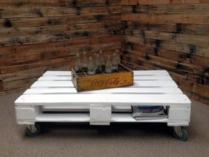 Make White Pallet Coffee Table