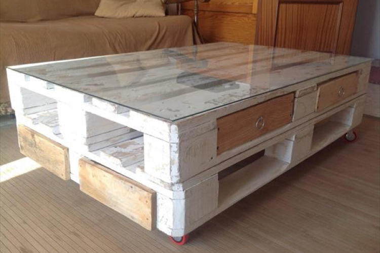 26 Creative DIY Pallet Coffee Table | Plans & Instructions