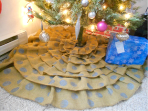 Burlap Christmas Tree Skirt DIY