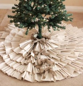Burlap Christmas Tree Skirt Idea