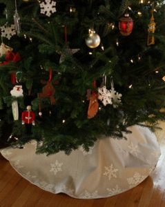 Burlap Christmas Tree Skirt Image