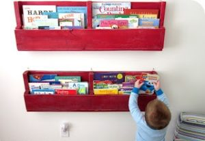 Children Pallet Bookshelf
