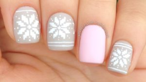 Easy Nail Snowflake Art