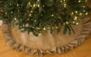 No-Sew Burlap Christmas Tree Skirt