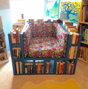 Pallet Bookshelf Chair