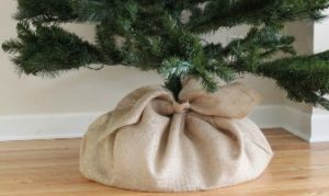 Simple Burlap Christmas Tree Skirt
