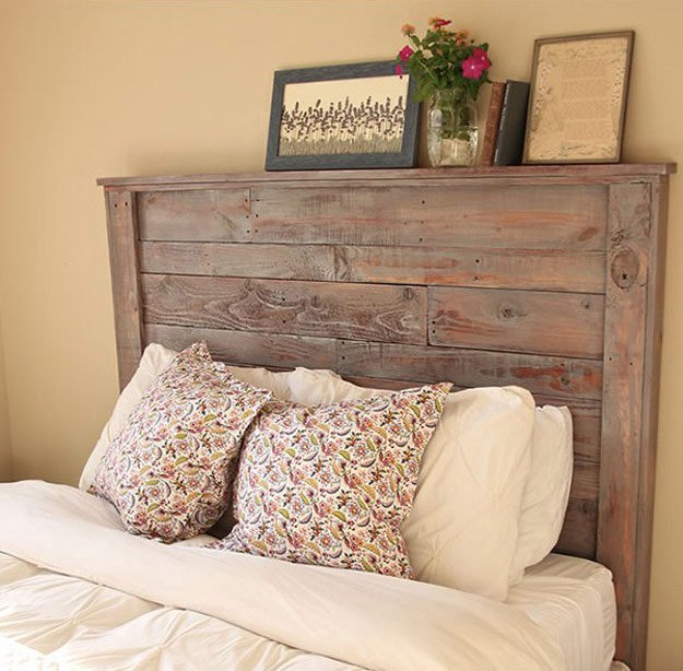 Headboard Made wHeadboard Made with Palletsh Pallets