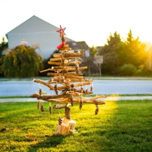 Make Driftwood Christmas Tree