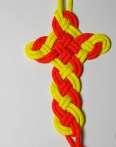 Paracord Cross Celtic Knot