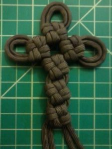 Paracord Cross Knot Instructions
