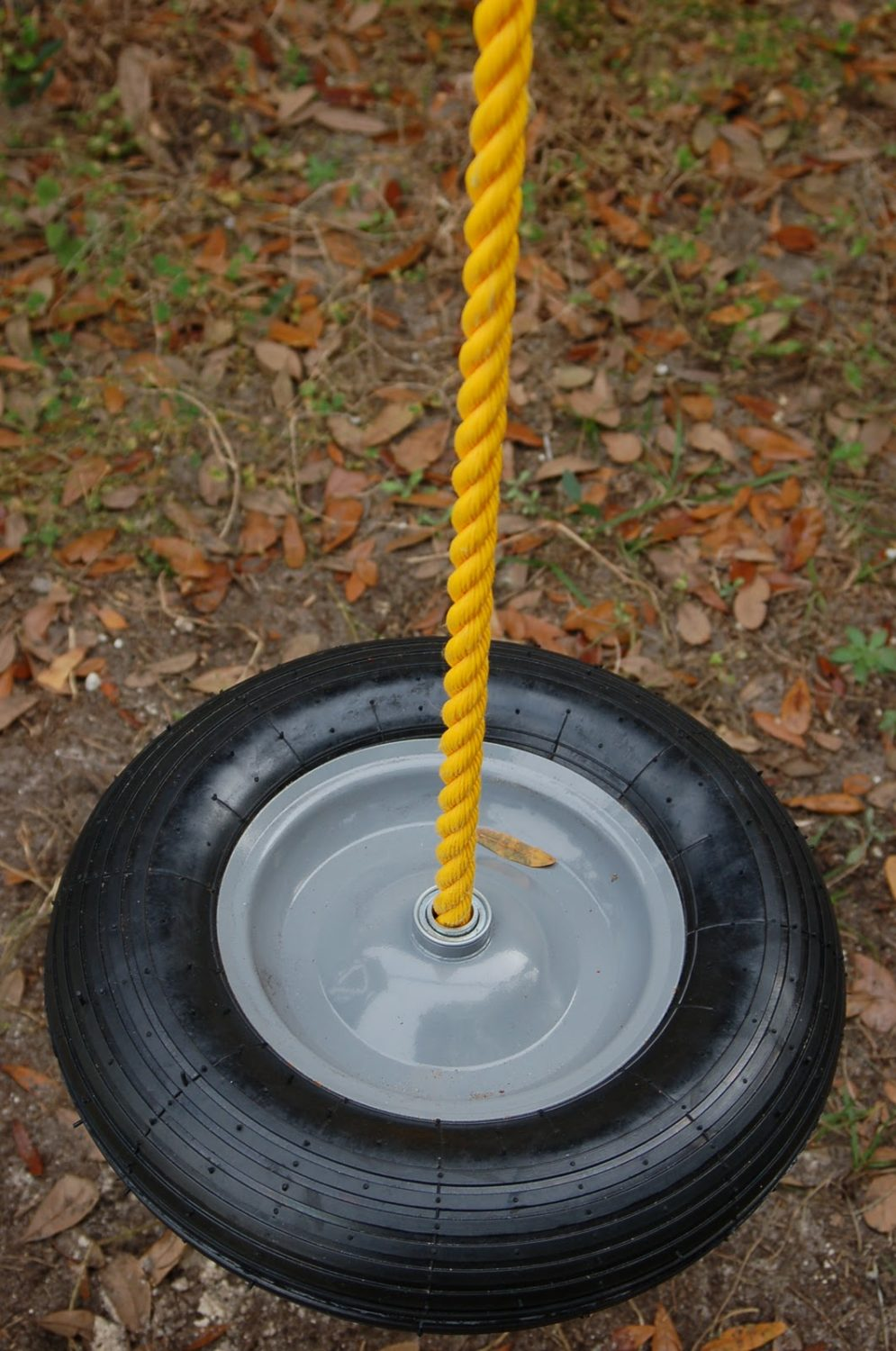 19 free diy tire swing instructions how to make tutorials. Black Bedroom Furniture Sets. Home Design Ideas