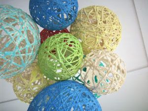 Balloon Yarn Lanterns