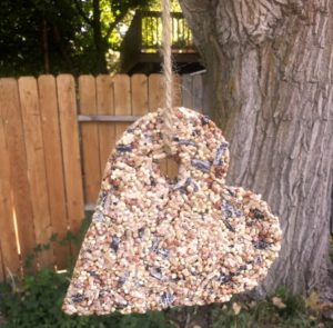 Easy Pine Cone Bird Feeder