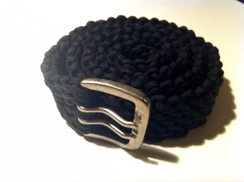 33 diy paracord belt patterns tutorials with instructions for How to make a paracord utility pouch