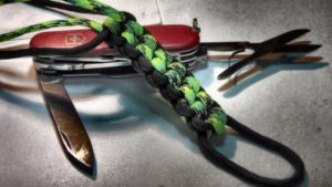 27 Diy Paracord Knife Lanyard Patterns With Instructions