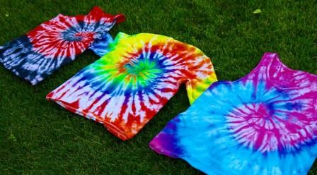f4011ce45366 65+ DIY Tie Dye Shirts Patterns with Instructions. Tie Dye Shirt