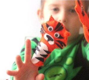 Tiger Finger Puppet Instructions