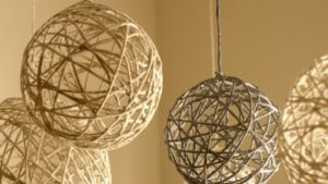 Yarn Lanterns How to Make