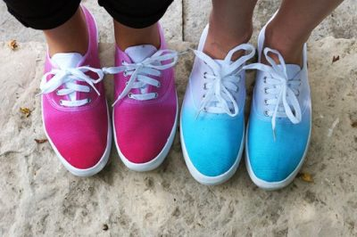 Tie Dyeing Shoes