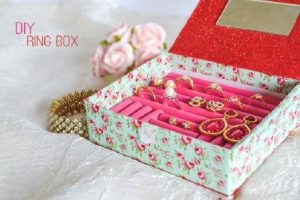 DIY Earring Box