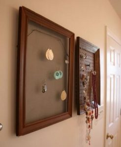 Earring Holder Screen