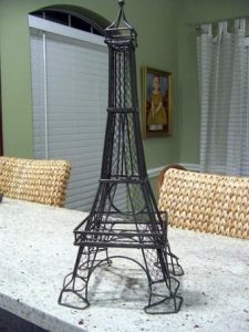 Eiffel Tower Earring Holder